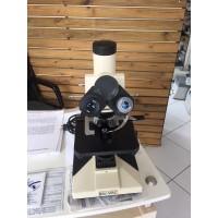 Microscopio Bioval